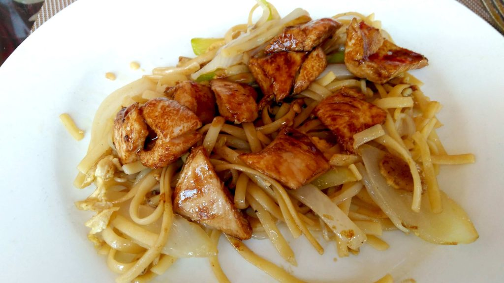 Food Bloggers Eating Out | This is the chicken and noodles I had at the Muralla Wok Buffet in Vera as my last plateful of Chinese Buffet food.