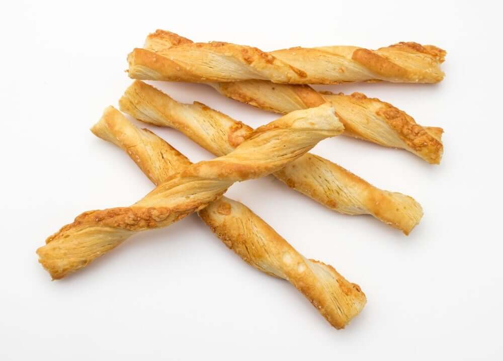 Welcome to my flourless air fryer crunchy cheese straws recipe.