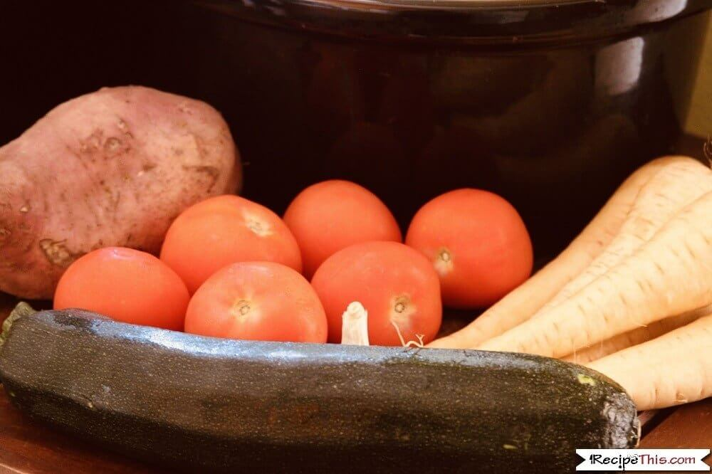 Slow Cooker Tomato Sauce Recipe With Fresh Tomatoes